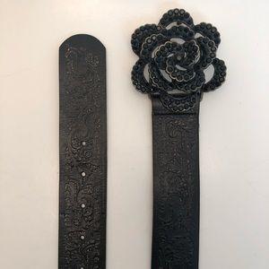 Fossil | Black Leather Belt Blk Rhinestone Flower